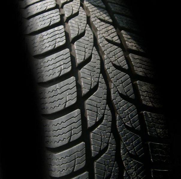 Stort udvalg af dæk og fælge til bilen